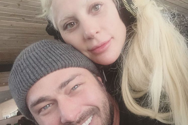 lady-gaga-taylor-kinney-instagram-photo-11316